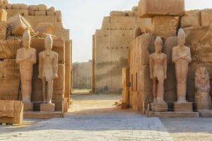 Safaga Hafen nach Luxor Ägypten Tagesausflug nach Luxor mit dem Bus ab Safaga