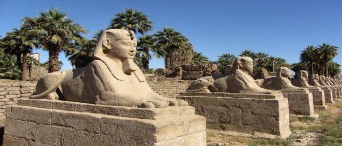 Tagesausflug nach Luxor abSahl Hasheesh mit dem Bus.