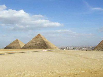 Tagesausflug von Safaga nach Kairo mit dem flug Pyramiden