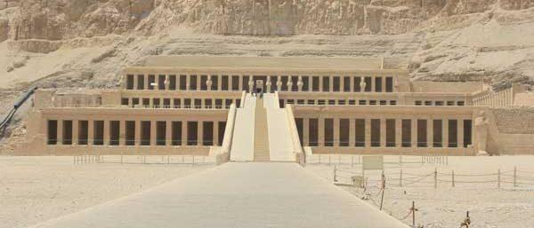 Tagesausflug nach Luxor ab Hurghada mit Bus Terrassentempel der Königin Hatschepsut