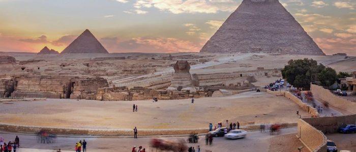 Wie lange braucht man vonMarsa Alamzu denPyramiden ?